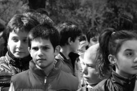 Ragazzi al Giardino dei Giusti (foto per gentile concessione di Valentina Carrera)