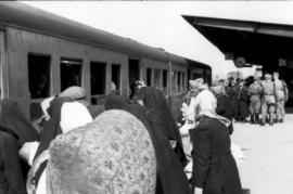 Deportazione degli ebrei di Varsavia (fonte Wikicommons, utente Deutsches Bundesarchiv)
