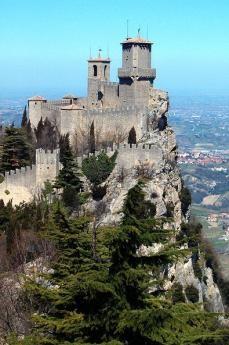 Il Castello di San Marino (da Wikicommons, utente Marcok)