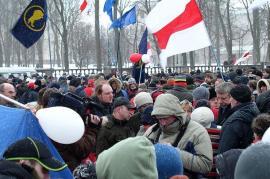 Proteste a Minsk (fonte Wikicommons, utente Alex Zelenko)