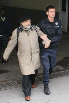 L'arresto di Ragip Zarakoglu (fonte Comitato di solidarietà per Zarakolu)
