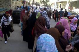 In attesa di poter votare (foto di Mona)