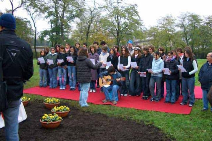 Il coro del Liceo Volta