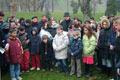 """Nissim con gli studenti dopo la cerimonia per il """"giorno della memoria"""""""